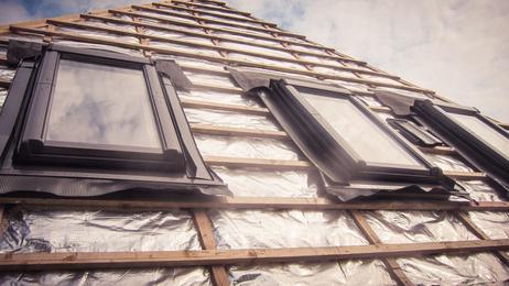 Pose fenetres de toit saint quentin sur isere for Pose de fenetre de toit